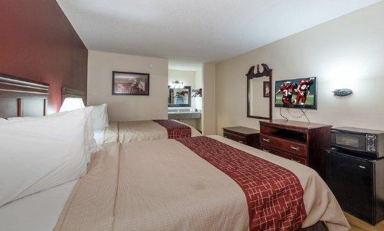 Chipley, FL: Deluxe 2 Queen Beds