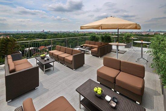 indoor pool hilton munich park tripadvisor. Black Bedroom Furniture Sets. Home Design Ideas