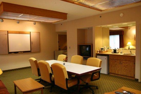 Eau Claire, WI: Hospitality Suite