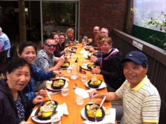 Papamoa, New Zealand: Enjoying a 'Hangi' lunch at Te Puia