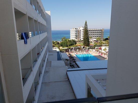 Napa Mermaid Hotel and Suites: 20170801_085833_large.jpg