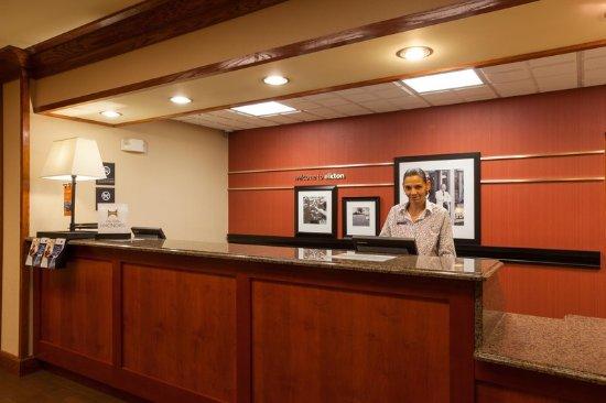 Elkton, MD: Front Desk