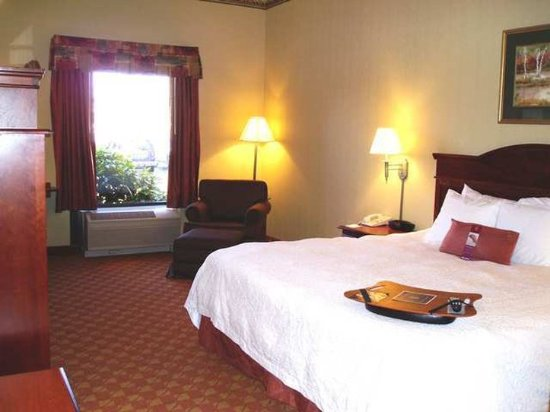 Elkton, MD: Guest Room