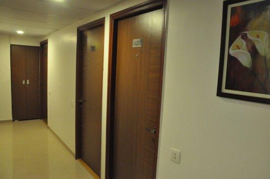 Hotel Kalyan : Hotel Floor Lobby