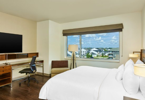 West Fargo, ND: Deluxe Room