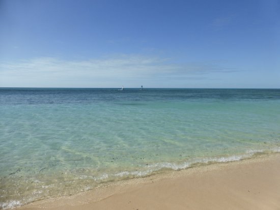 Green Island, Australia: Beautiful crystal clear water