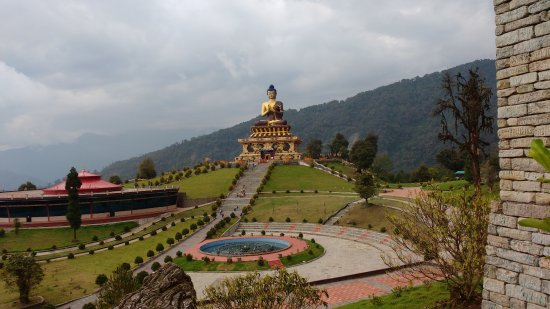 Ravangla, India: The magnificent Buddha statue in the middle of the park
