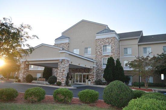 Williamston, NC: Hotel Exterior
