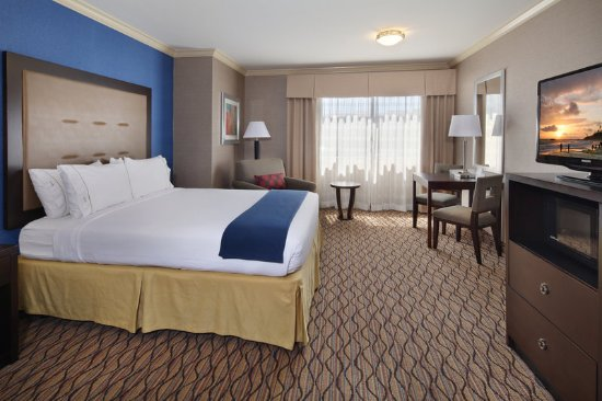 Holiday Inn Express Port Hueneme: King Room