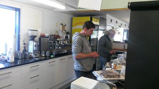 Warkworth, New Zealand: Pau and Taz, Jacks of all Trades.
