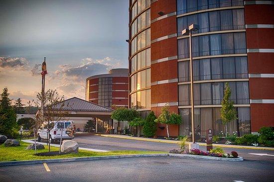 DoubleTree by Hilton Hotel Portland: Exterior