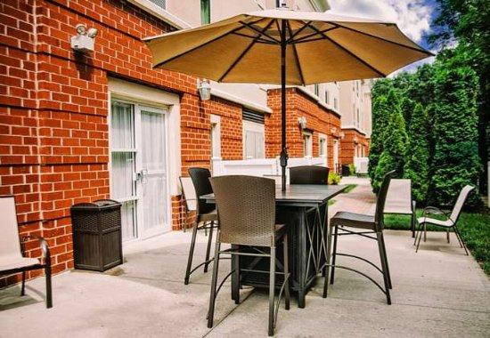Medford, Estado de Nueva York: Outdoor Patio