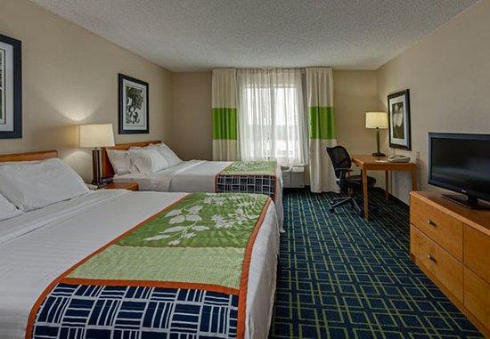 Hazleton, PA: Queen/Queen Guest Room