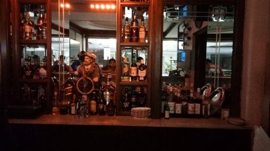 MK Hotel Amristar: Bar