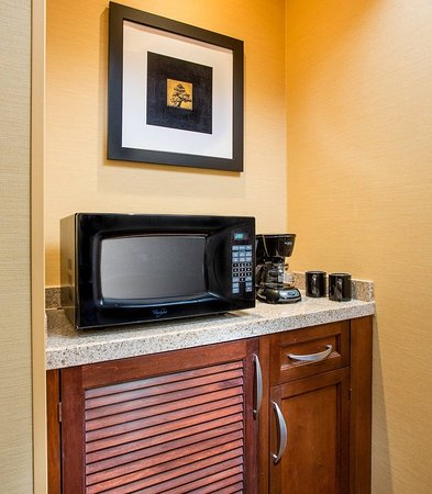 Peoria, IL: Suite - Amenities