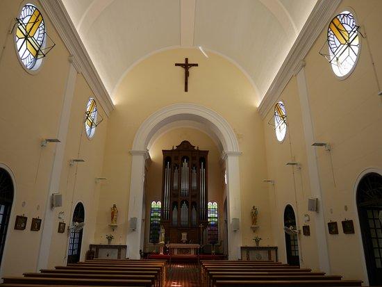 St. Lazarus Church :  窓が特徴的
