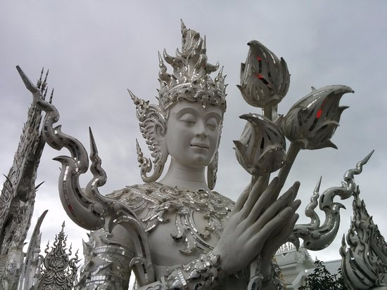 Something Different Day Tours: The White Temple