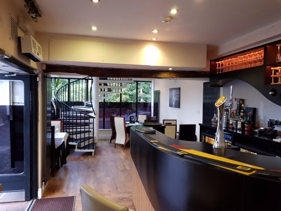 Tenbury Wells, UK: View of downstairs and the bar