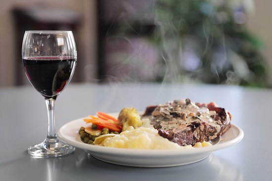 St Helens, Australia: Steak with seasonal vegetables enjoyed with a glass of Tasmania's finest red wine