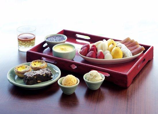 Sha Tin 18 - Hyatt Regency Hong Kong, Sha Tin: Sha Tin 18 dessert platter 沙田18特色甜品拼盤