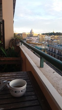 Filomena e Francesca B&B: The Balcony with view of St Peters