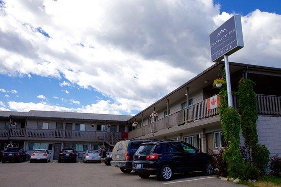 The Canterbury Inn : Exterior
