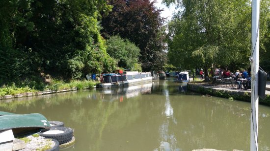 Monkton Combe, UK: Canalside view
