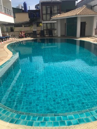 Sandy Spring Hotel: Swimming pool