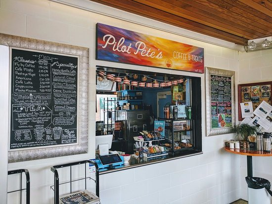 Elmhurst, IL: Pilot Pete's Coffee and Treats