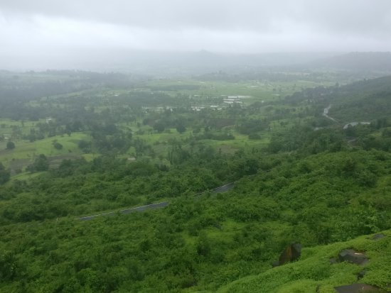 Jawhar, Indie: Scenic view of the nearby valley from Hanuman Point