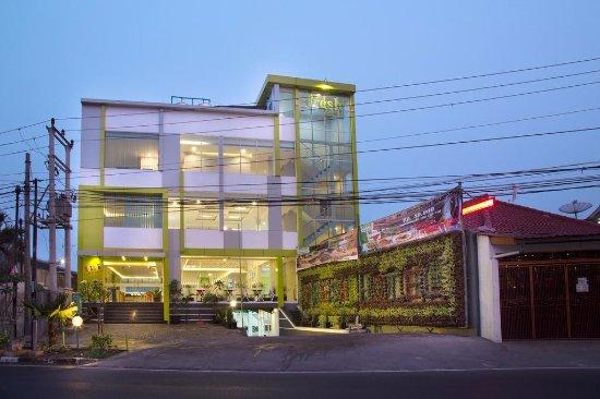 Selabintana resort hotel sukabumi for Balcony hotel sukabumi
