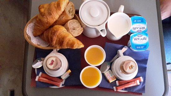 Hotel Saint Pierre: Frühstück für 2
