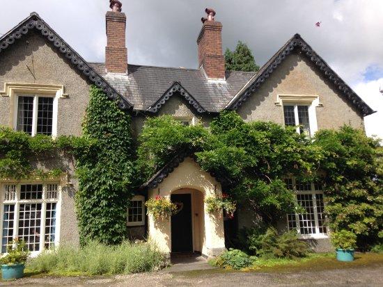 Plas Derwen Country House