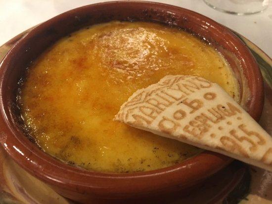 Siurana, Spain: Caracoles, hígado a la brasa, cordero a la brasa(con patatas fritas caseras) queso con membrillo