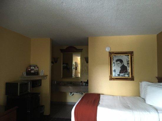 Days Inn Memphis at Graceland: la chambre