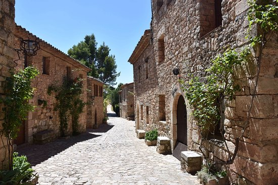 main road of Siurana