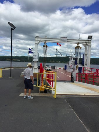 Temiscouata-sur-le-Lac, Canada: You can ride the ferry across Lac Temiscouata. You get a fantastic view of the lake AND town.