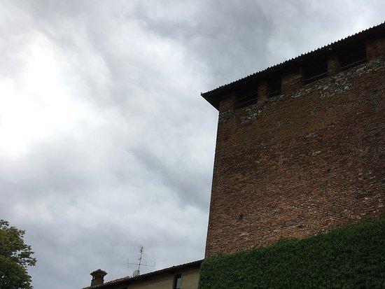 Roppolo, Italie : La torre del castello
