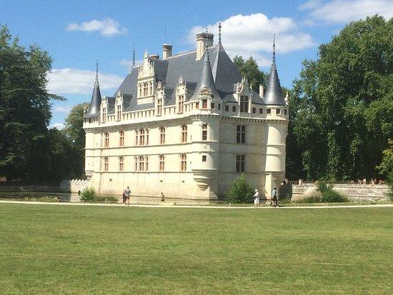 azay le rideau picture of chateau of azay le rideau. Black Bedroom Furniture Sets. Home Design Ideas
