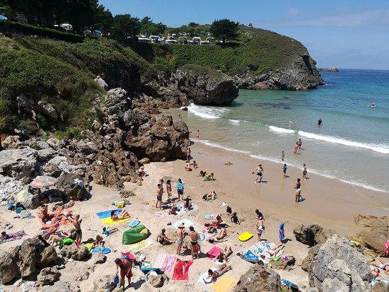 Camping playa de troenzo celorio llanes asturias for Camping en llanes con piscina