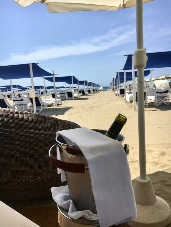 Bagno dalmazia forte dei marmi all you need to know before you go with photos tripadvisor - Bagno overbeach ...