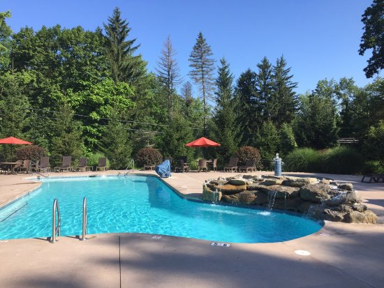 Swiftwater, Pensilvania: Enjoyable family vacation  Perfect surroundings perfect pools All u need is right there at Woodf