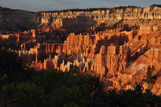 Cannonville, UT: Der Bryce Canyon Nationalpark mit der Morgensonne besonders schön.