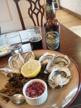 Oughterard, Irlande : oysters and Galway hooker beer