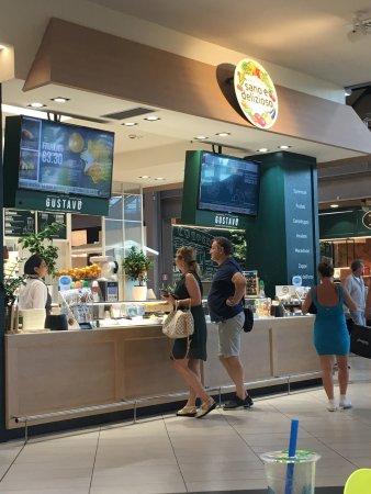 Villanova di Castenaso, Italia: Fronte negozio