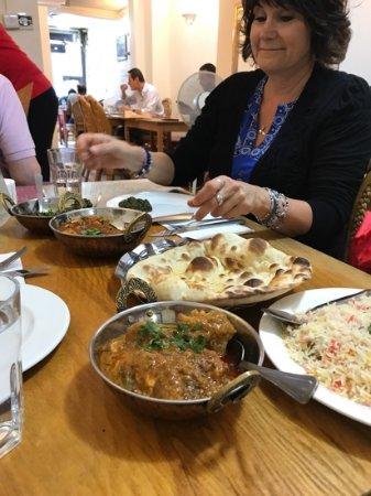 Raavi Kebab: amazing food!