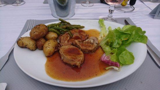 Vanves, Prancis: Roti de veau pommes grenailles