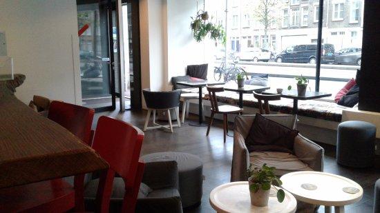 Conscious Hotel Vondelpark: cafetería