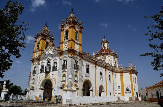 Viana do Alentejo, Portugal: O majestoso santuário surpreende nosso olhar!
