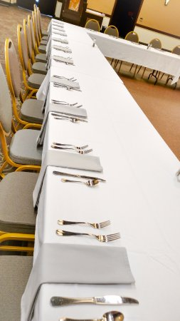 Lindsborg, KS: U-Shape Meeting Place Setting